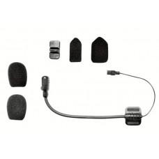 Připojitelný mikrofon na raménku